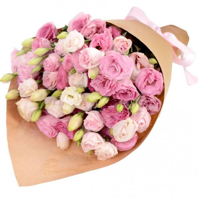 Букет розовых эустом в крафте